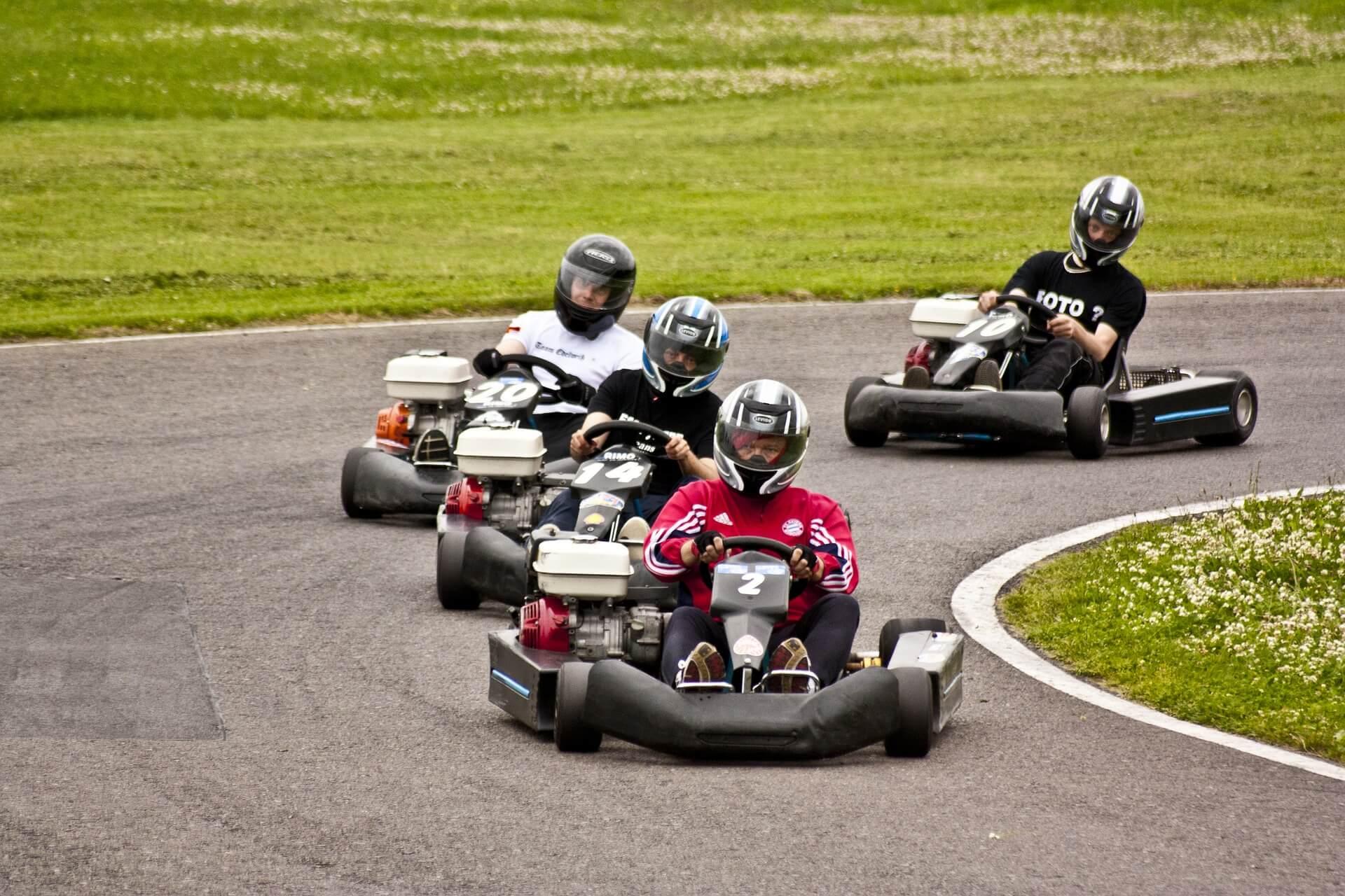 Autour de La FabriK' en Baie : Karting et circuit